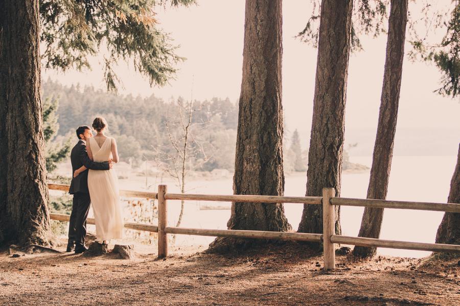 tori and nanos rustic wedding at kitsap memorial state park