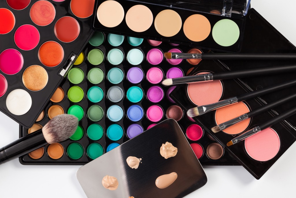 Help Wanted: Beauty Bloggers